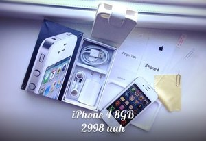iPhone 4 8GB Neverlock White&Black